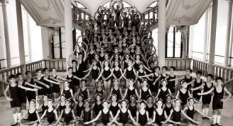 Estudiantes de la Escuela Nacional de Ballet