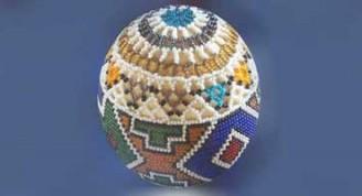 Huevo-de-avestruz-decorado-con-cuentas-de-vidrio-y-plástico-prueba