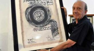 Manuel Pérez Paredes recibe Premio Nacional de Cine 2013. FOTO AIN