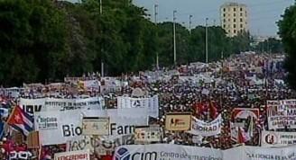 Luego de alrededor de 2 horas de emotiva y unida demostración de apoyo a la construcción del socialismo próspero y sostenible en Cuba en la Plaza de la Revolución José Martí, concluyó el desfile por el 1ro de mayo en la capital.