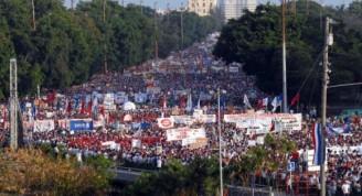 plaza-de-la-revolucion-primero-de-mayo-cuba-580x326