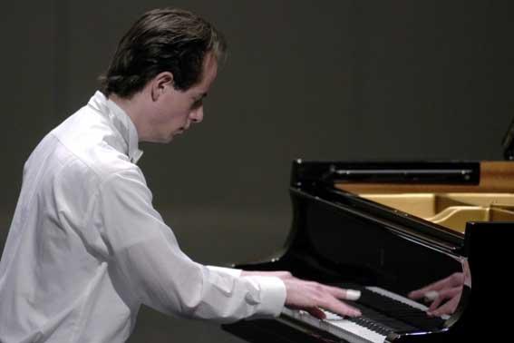 Estudiantes de piano de Colombia, México, Estados Unidos y Cuba concursarán en la cuarta edición del Festival Musicalia, una de las citas de jóvenes talentos musicales más importantes de Hispanoamérica. El evento se celebrará durante cinco días, del 17 al 22 de junio, en La Habana.
