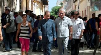 Edgardo Ramírez, Embajador de la República Bolivariana de Venezuela y Eusebio Leal presidieron el acto / Fotos: Alexis Rodríguez