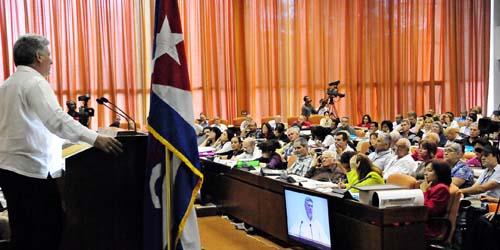 Miguel Diaz-Canel, Primer Vicepresidente de los Consejo de Estado y de Ministros,clausura el 9no Congreso de la UPEC. (foto Jorge Luis González)