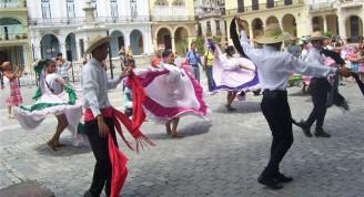 Costa Rica en calles y plazas habaneras