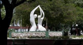 Escultura ubicada en uan de las hemosas plazas de Bayamo