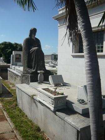 Panteón de Víctor Muñoz