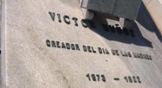 4-Panteón de Victor Muñoz, lápida