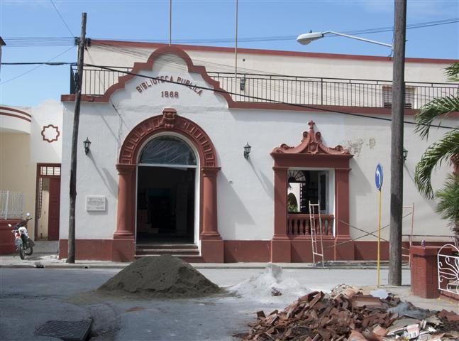 "Biblioteca Pública ""1868"""