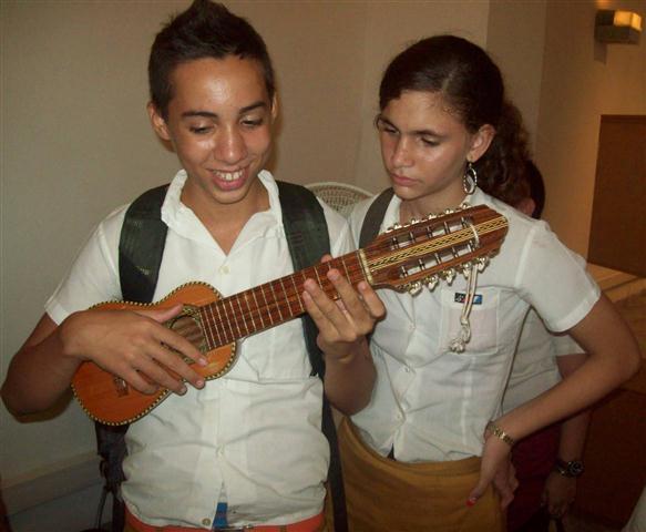 Jóvenes y la música
