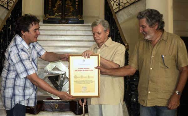 Premio a Mario Coyula