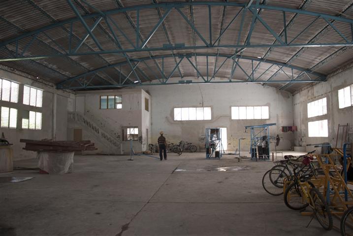 Uno de los gimnasios en reconstrucción