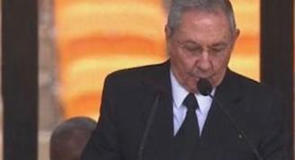 El Presidente cubano Raúl Castro recordó que Mandela fue un ejemplo de integridad y perseverancia, y encabezó el esfuerzo dirigido a la eliminación de la pobreza, la reducción de la desigualdad y la creación de oportunidades para todos
