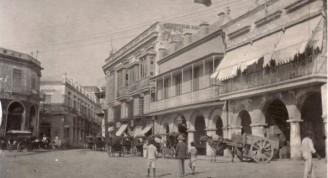 Oficios 359 ya reconstruida y sus colindantes por la calle Luz, antes de 1897
