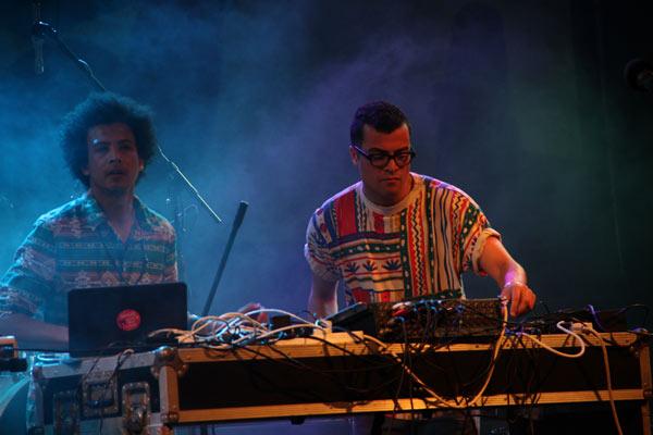 DJs Auntie Flo (Gran Bretaña) y Esa Williams (Sudáfrica). Foto tomada de Cubasí