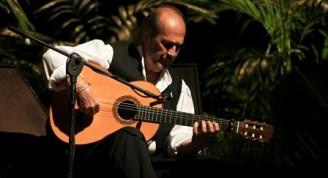 Paco de Lucía en su concierto habanero de octubre 2013. Foto: Cubarte