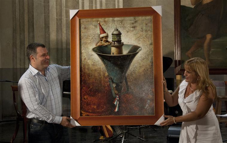 Maykel Herrera obsequió un cuadro de su autoría a la emisora