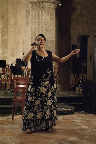 """Momento especial de la noche: la interpretación de """"Veinte años"""" por Omara Portuondo"""