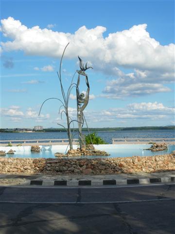 Escultura de Rita Longa en Punta Gorda (Small)