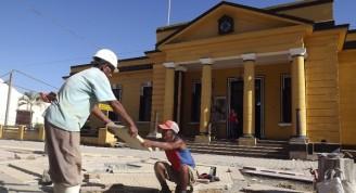 Un atractivo bulevar que conjuga armónicamente los elementos de su antiquísima arquitectura está a punto de culminarse en el corazón de Baracoa. Foto: Lisván Lescaille Durand