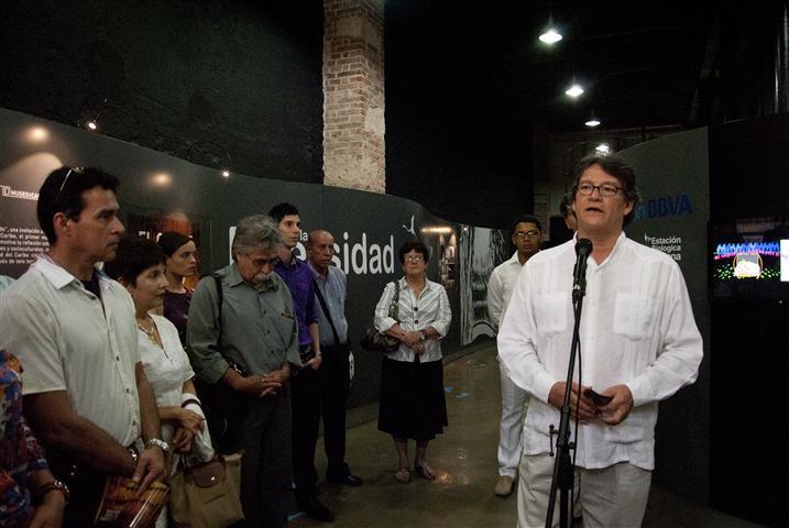 Excelentísimo Señor Gustavo Bell, Embajador de Colombia en la Isla