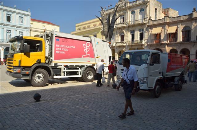 Camiones que utilizarán para la recogida de los desechos sólidos foto: Jorge A. Laserna