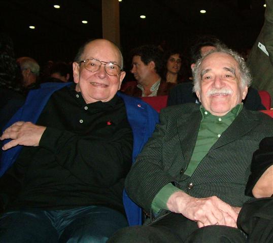 García Márquez junto a Alfredo Guevara, durante la inauguración del 32 Festival Internacional del Nuevo Cine Latianoamericano / Foto Alexis Rodríguez- Habana Radio