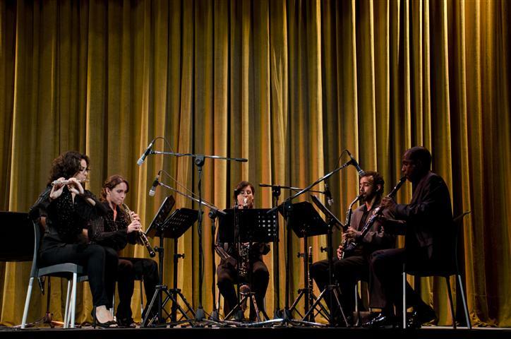 Gala artística de clausura que tuvo por sede el impresionante Teatro Martí y protagonizada por excelente la pianista Karla Martínez y el Ensemble de Vientos Nueva Camerata