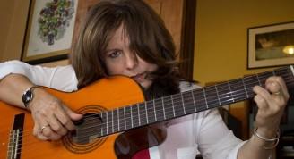 Liuba María Hevia (foto tomada de su sitio oficial en Facebook)