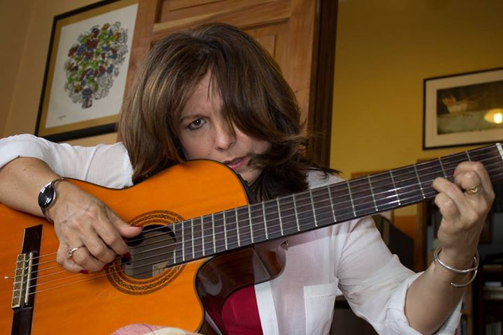Celebra trovadora cubana Liuba María Hevia 35 años de vida artística