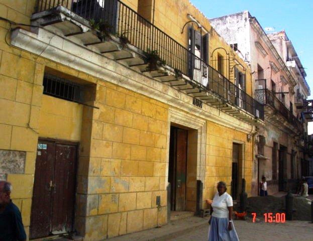 1-antiguo edificio Mayarí (fachada por SIgnacio-antes)