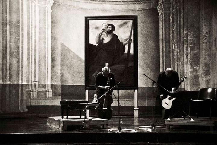 Savall junto al guitarrista español Ricardo Gallén. Foto. Iván Soca