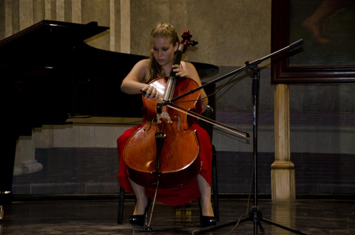 cello plus daniele valverde 3 (Medium)