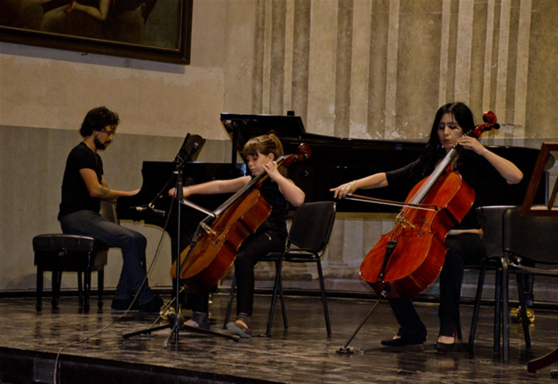 cello plus luna pantoja  y lian rodríguez 2 (Medium)