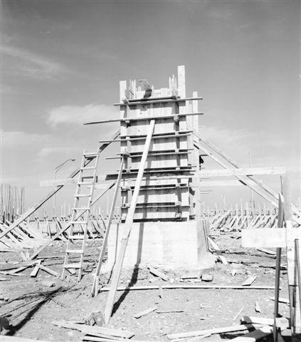 39751 1958 feb18 Monumento a Calixto García en Malecón y G, construc. (Small)
