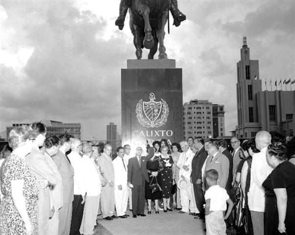 46093 1959 ago4 Parque Calixto García en Malecón y G, inauguración (Small)