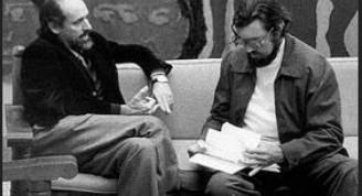 Roberto Fernández Retamar junto a Julio Cortazar en Casa de las Américas