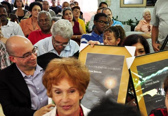 La tarde fue calificada como una tarde de amigos y de homenaje a la obra del Apóstol. Foto: Roberto Garaicoa, tomada de Cubadebate