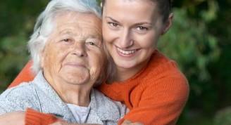 Trabajar como Cuidador de Ancianos