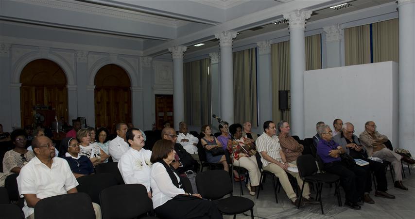 conferncia de Roberto Cassá en el Centro Hipanoamerica de Cultura (Small)