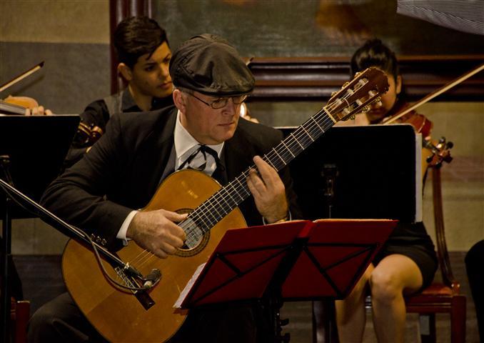 Vale destacar la participación del guitarrista concertista Luis Manuel Molina (Foto: Alexis Rodríguez)