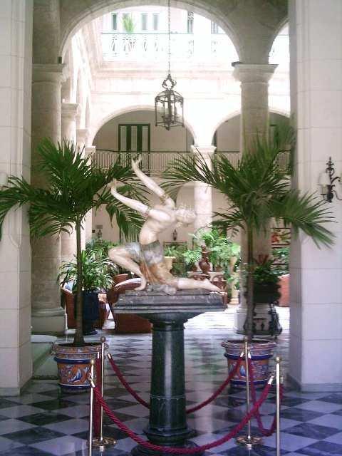 4-hotel Florida, acceso