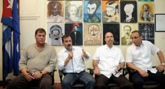 os Héroes de la República de Cuba,de izquierda a derecha, Ramón Labañino, Fernando González, Gerardo Hernández y Antonio Guerrero, durante la realización del espacio Catalejo, organizado por la Delegación Ramal de la Prensa Escrita, en la sede de la Unión de Periodistas de Cuba (UPEC), en La Habana, el 14 de marzo de 2015.AIN FOTO/Abel PADRÓN PADILLA