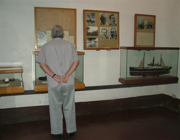 Leal visita el Museo Casa natal de José Martí / Foto Alexis Rodríguez - HR