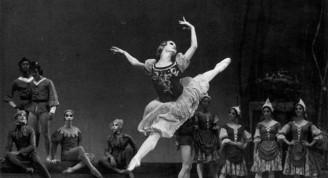 Ya desde primera bailarina destacaba con su expresividad  en los  papeles principales