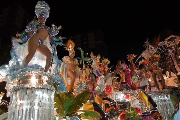 carnaval-santiago-de-cuba