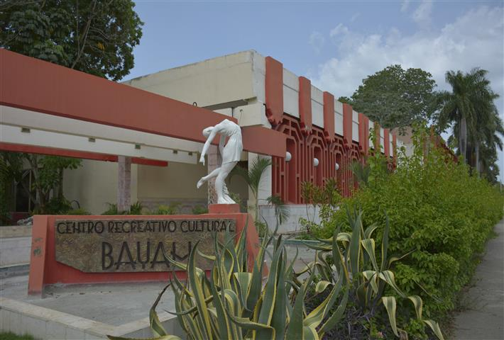 "Centro Cultural ""Bayam"""