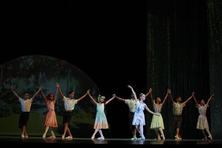 """El ballet """"Vilma"""" comienza recordando la infancia de la heroína"""