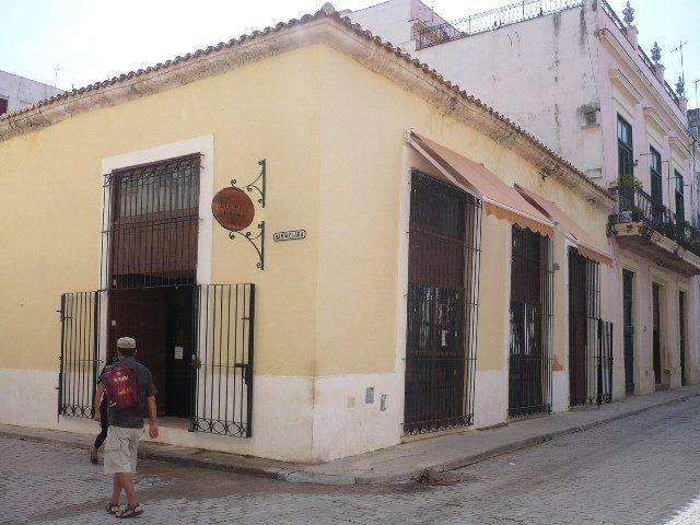 3-Bodega española en Oficios y Santa Clara, desp.