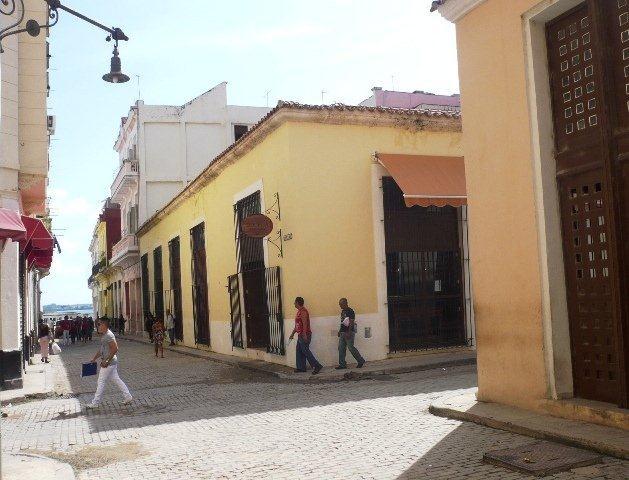 4-Bodega española en Oficios y Santa Clara